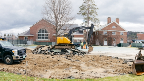 Sprung structure replaces tennis courts